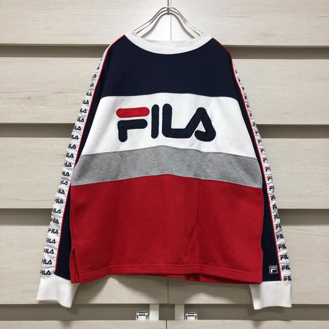 FILA(フィラ)のFILA スウェット トレーナー 刺繍 ビッグシルエット サイドライン メンズのトップス(スウェット)の商品写真