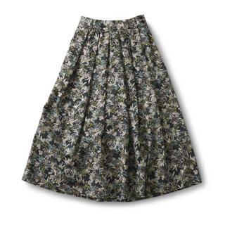 フェリシモ(FELISSIMO)のお値下げ♪ほぼ未使用★フェリシモ リースの種 ロングスカート  (ロングスカート)