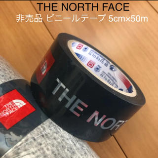ザノースフェイス(THE NORTH FACE)の【非売品】ノースフェイス ビニールテープ店舗仕様 50m/スクエアロゴ(日用品/生活雑貨)