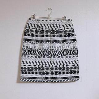 レプシィム(LEPSIM)のLEPSIM   ネイティブ柄   タイトスカート (ひざ丈スカート)