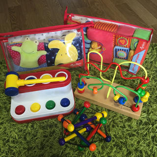 ボーネルンド  知育玩具