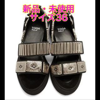 TOGA - 新品・未使用 toga スニーカーメタルサンダル
