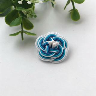 No.12 水引Camellia Flower ラペルピン 金具へ変更可能です(ネクタイピン)