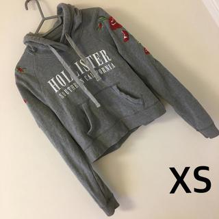 ホリスター(Hollister)の661)XSホリスターHOLLISTER袖花刺繍フードショートトレーナーパーカー(トレーナー/スウェット)