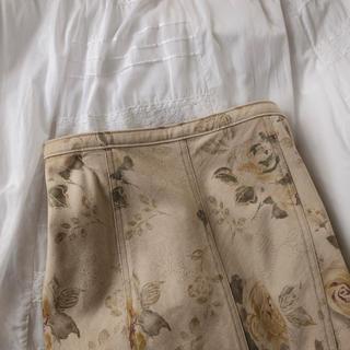 Lochie - 薔薇スカート