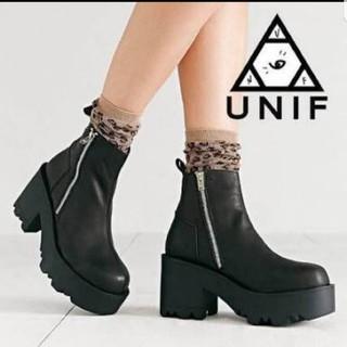 ユニフ(UNIF)の両サイドジップ厚底ブーツ(ブーツ)