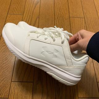 UNDER ARMOUR - アンダーアーマー♡新品♡スニーカー ホワイト  22.5cm