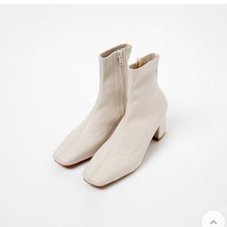 dholic - スクエアトゥ ブーツ アイボリー 23.5〜24cm