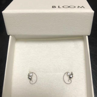 BLOOM - K10WG キュービックジルコニアピアス