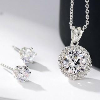 SWAROVSKI - ダイヤモンドキュービックジルコニアホワイトゴールド ネックレス & ピアス  ❇