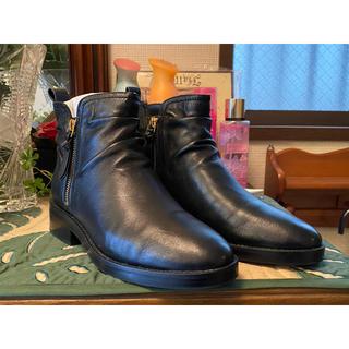 コールハーン(Cole Haan)のCOLE HAAN コールハーン ショートブーツ ブラック 美品(ブーツ)