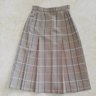 BURBERRY - 極美品バーバリーチェック柄薄いウールスカート、サイズ7号。BURBERRYS