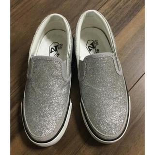 ズーム(Zoom)のZOOM ズーム 子供靴 キッズ シルバーラメ スリッポン 新品未使用 19cm(スニーカー)