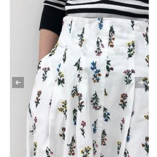 IENA - 【新品タグ付】IENA LA BOUCLE フラワー刺繍 タックスカート