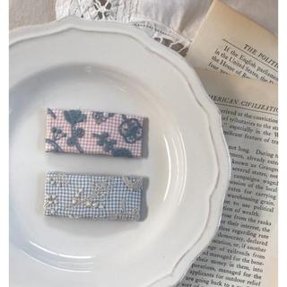 ミナペルホネン(mina perhonen)のミナペルホネン  刺繍スクエアピン  パッチンピン チェックアンドストライプ(その他)