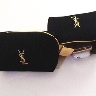 Yves Saint Laurent Beaute - イヴ・サンローラン 化粧ポーチ