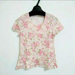 レストローズ(L'EST ROSE)のレストローズ トップス/カットソー/Tシャツ 花柄(カットソー(半袖/袖なし))
