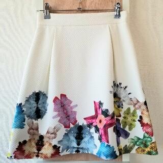 クイーンズコート(QUEENS COURT)のクイーンズコート QUEENS COURT ミニ スカート 台形 美品(ミニスカート)