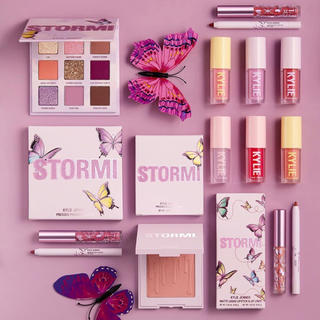 Kylie Cosmetics - KYLIE COSMETICS STORMI COLLECTION