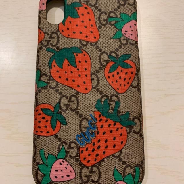 Iphone8ケース落としても割れない,Gucci-香様専用♡の通販