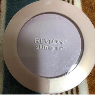 REVLON - レブロン スキンライト プレストパウダー ラベンダー 104