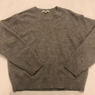 ユニクロ(UNIQLO)のUNIQLO ユニクロ セーター グレー(ニット/セーター)