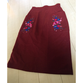 RayCassin - テラコッタ色花柄刺繍膝下スカート
