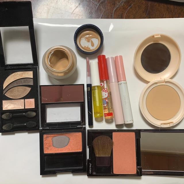 REVLON(レブロン)の化粧品まとめ売り レブロン、キャンメイク、メディア等 コスメ/美容のベースメイク/化粧品(チーク)の商品写真