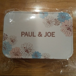 ポールアンドジョー(PAUL & JOE)のCo.Co様お取り置き中!PAUL & JOE 缶(ポーチ)