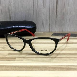 シャネル(CHANEL)のシャネル メガネ 黒フレーム 赤テンプル(サングラス/メガネ)