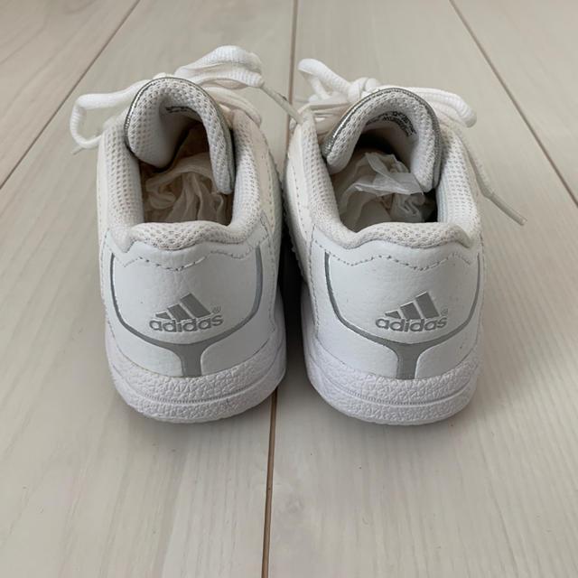 adidas(アディダス)のadidasアディダス キッズシューズ15.5cm キッズ/ベビー/マタニティのキッズ靴/シューズ(15cm~)(スニーカー)の商品写真
