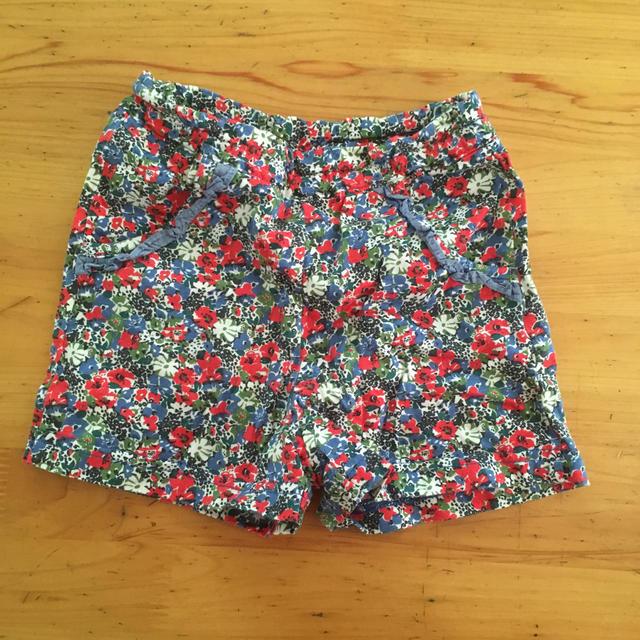 familiar(ファミリア)のファミリア 花柄フリルパンツ キッズ/ベビー/マタニティのベビー服(~85cm)(パンツ)の商品写真
