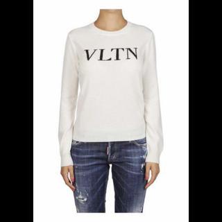 ヴァレンティノ(VALENTINO)のヴァレンティノ  VLTNロゴマークニット(ニット/セーター)