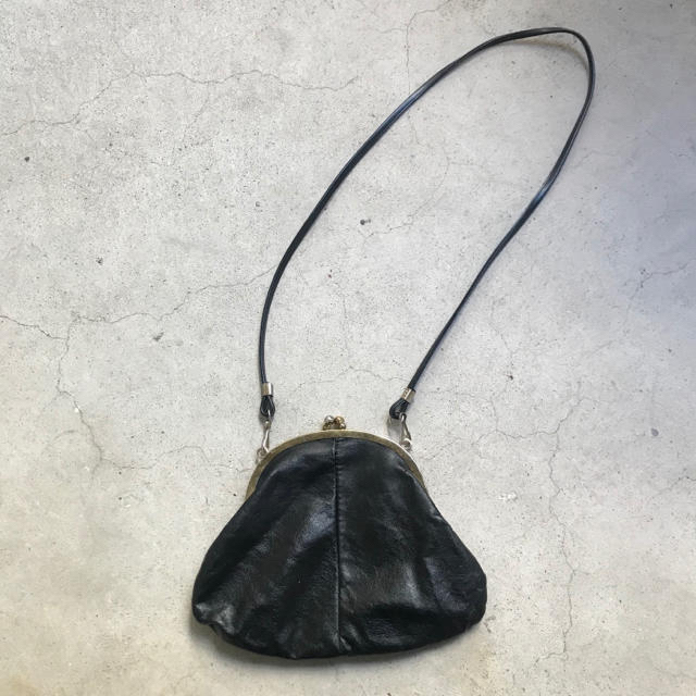 Lochie(ロキエ)の黒 がま口バッグ レディースのバッグ(ショルダーバッグ)の商品写真