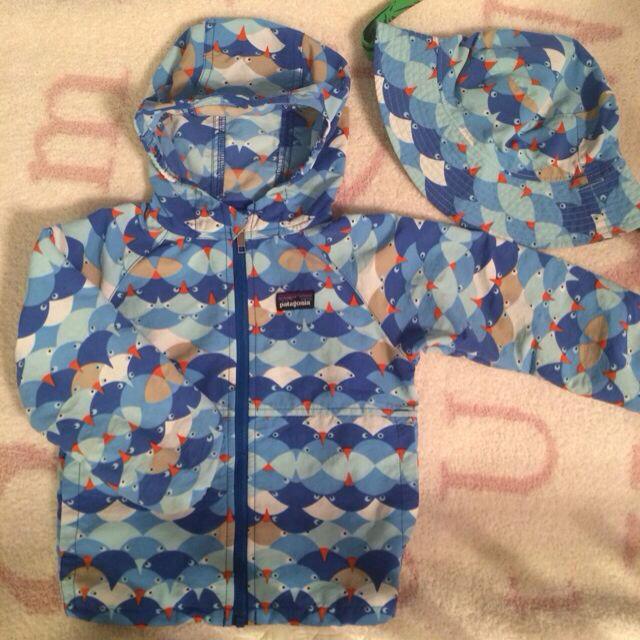 patagonia(パタゴニア)のlottarottaさま パタゴニア帽子 キッズ/ベビー/マタニティのベビー服(~85cm)(ジャケット/コート)の商品写真