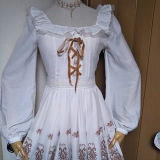 リズリサ 刺繍ワンピース