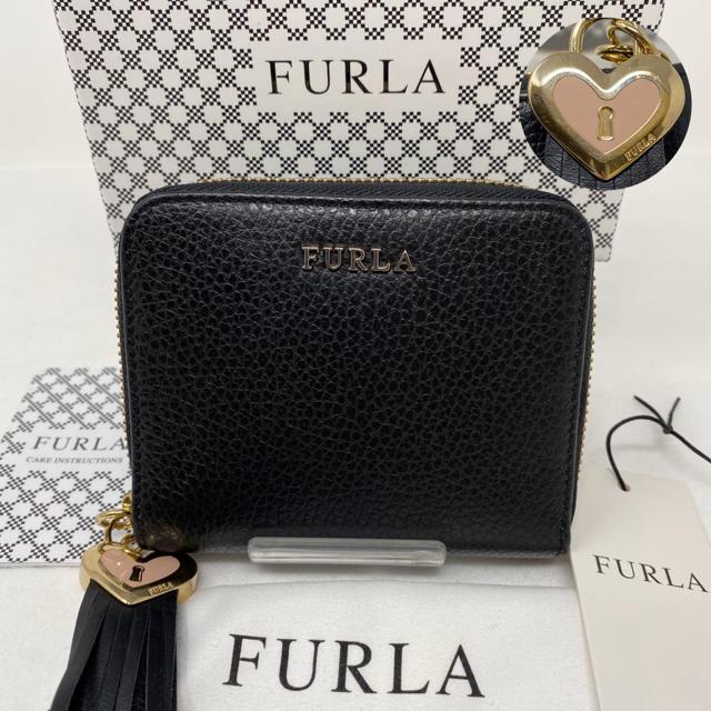 Furla - FURLA フルラ 二つ折り財布 ブラック 黒 チャーム ハート タッセルの通販