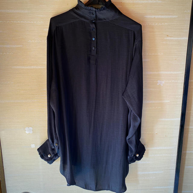 ZARA(ザラ)のZARA 黒ブラウス レディースのトップス(シャツ/ブラウス(半袖/袖なし))の商品写真