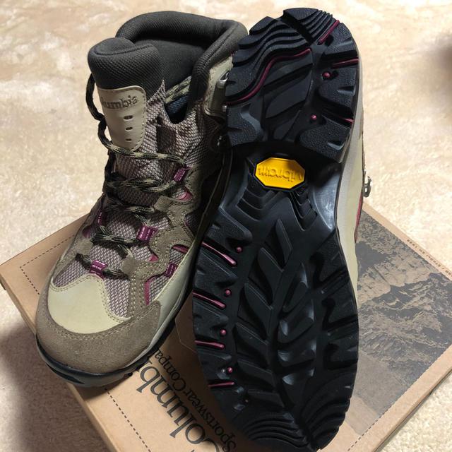 Columbia(コロンビア)のコロンビア 新品トレッキングシューズ登山靴23.5レディース7 スポーツ/アウトドアのアウトドア(登山用品)の商品写真