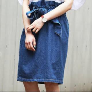 ページボーイ(PAGEBOY)のウエストリボンデニムスカート(ひざ丈スカート)