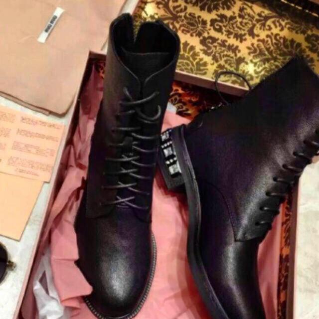 miumiu(ミュウミュウ)のミュウミュウ miu miu ブーツ レディースの靴/シューズ(ブーツ)の商品写真