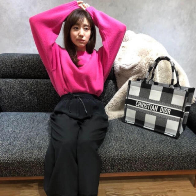 Mila Owen(ミラオーウェン)のウールカシミヤタートルルーズニット レディースのトップス(ニット/セーター)の商品写真