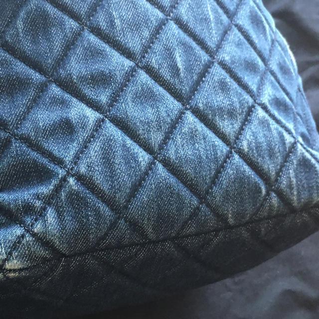 CHANEL(シャネル)の正規シャネル インディゴデニム巾着マトラッセ みけこ様専用 レディースのバッグ(ショルダーバッグ)の商品写真