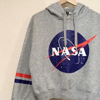 エイチアンドエム(H&M)のH&M NASAパーカー♪(パーカー)