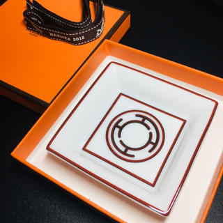 Hermes - 【新品 未使用】エルメス プレート スクエア アッシュトレイ 小皿 インテリア