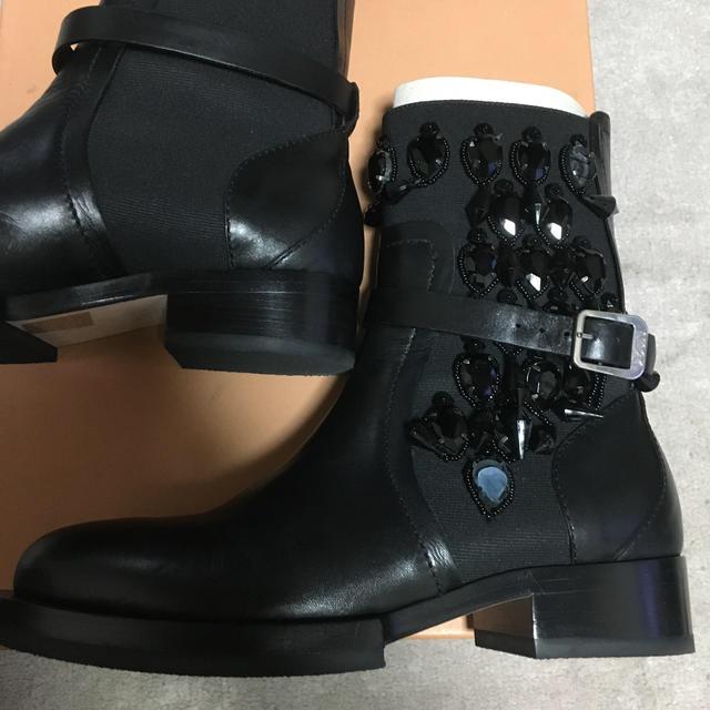 N°21(ヌメロヴェントゥーノ)のR様専用です No.21 ショートサイドゴアブーツ レディースの靴/シューズ(ブーツ)の商品写真