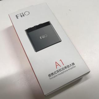 Fiio A1 ポータブルヘッドフォンアンプ(シルバー)(アンプ)