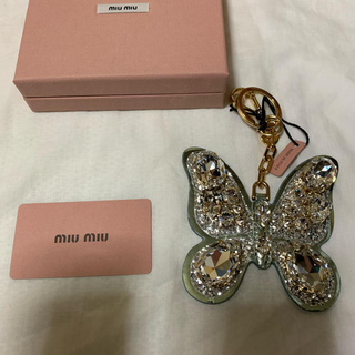 miumiu - miu miu 新品 バタフライ キーホルダー  クリスタル