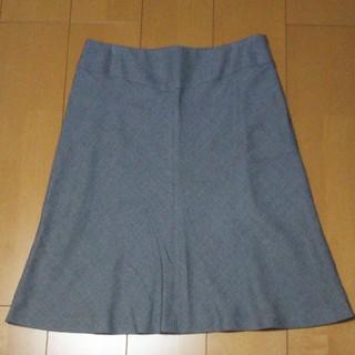 インディヴィ(INDIVI)のINDIVI スカート グレー 42サイズ LL(ひざ丈スカート)