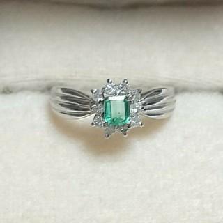 プラチナリング エメラルド&ダイヤモンド